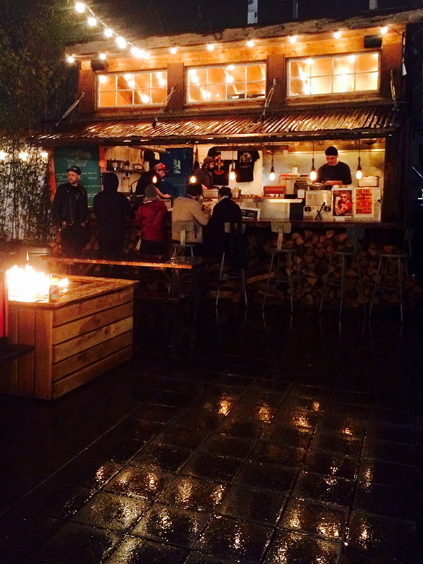 Food carts at night | Portland Oregon travel guide | Girlfriend is Better