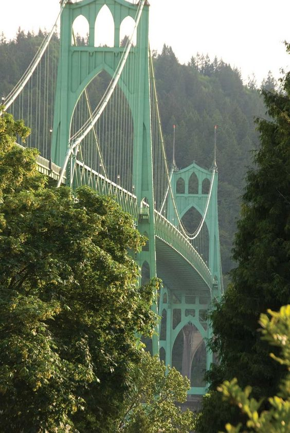 Portland Oregon and it's beautiful bridges | Travel Guide | Girlfriend is Better