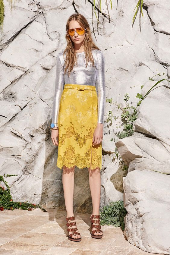 Silver + color psychology | Carven Resort 2017 Fashion Show | Girlfriend is Better