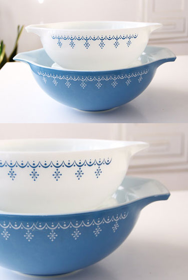 Vintage Pyrex bowls | Snowflake | FabLovesVintage Etsy ... & Vintage Pyrex Collections for the Kitchen | Girlfriend is Better