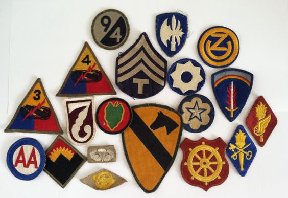 Vintage military patches | VintagePatchesUS via Etsy | Girlfriend is Better