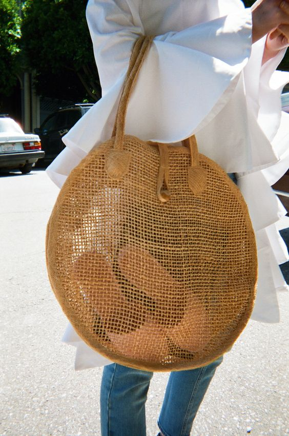 Round straw purse lightweight beach tote | Girlfriend is Better