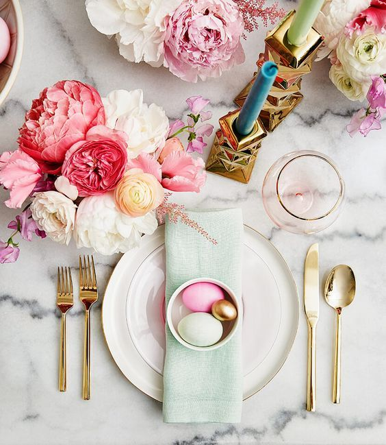 Tablescapes for Easter brunch | Girlfriend is Better