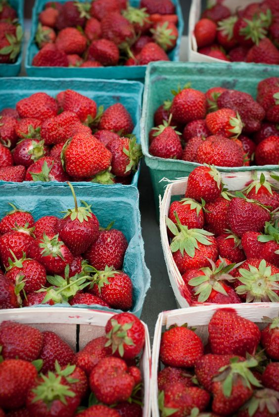 Strawberry baskets from farmer's market | summer recipes | Girlfriend is Better