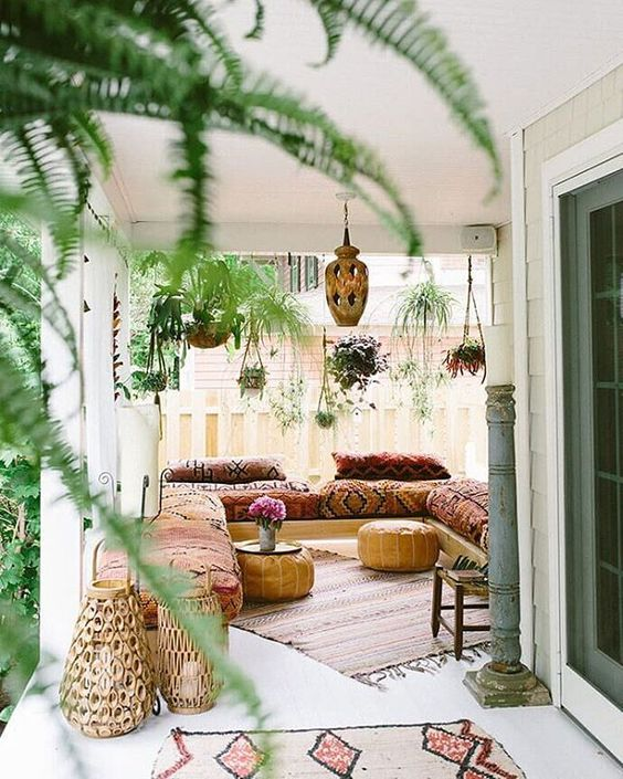 Bohemian sunroom with hanging plants | Girlfriend is Better