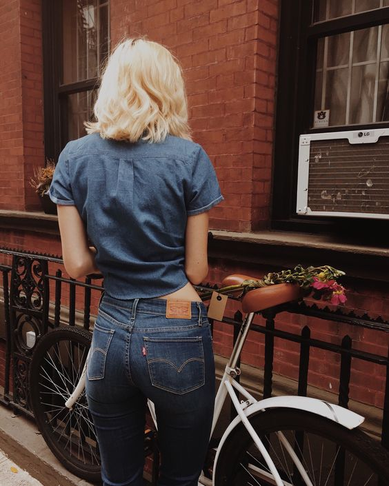 Levi's 721 denim jeans and chambray shirt   Memorial Day fashion   Girlfriend is Better