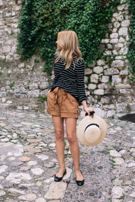 Casual stripes and khaki perfect for travel | Girlfriend is Better