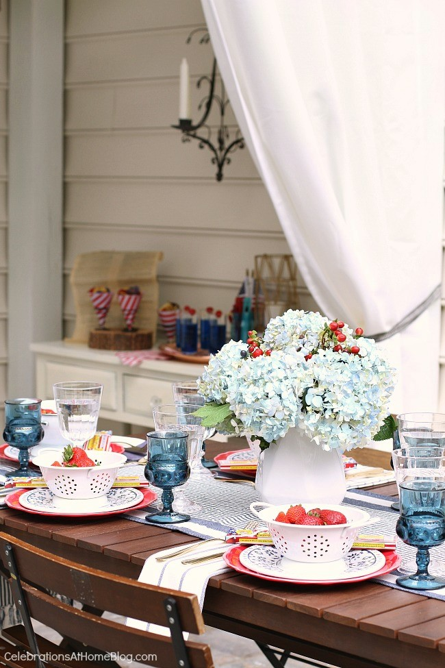 Red white and blue patio table decor | Girlfriend is Better