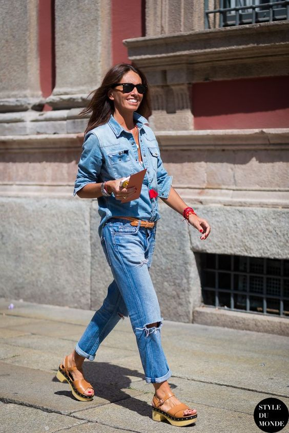 Summer sandals | Clogs with boyfriend jeans and denim shirt | Girlfriend is Better