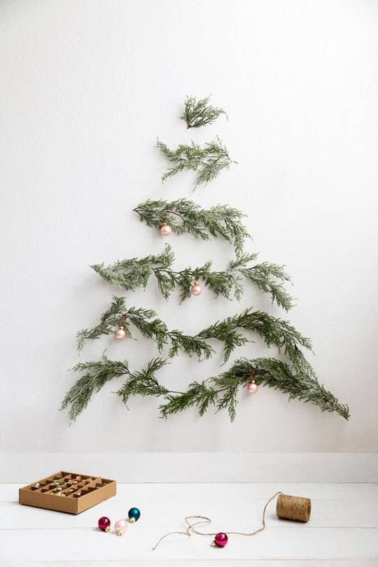 Christmas tree DIY | Evergreen branches Hygge decor | Girlfriend is Better