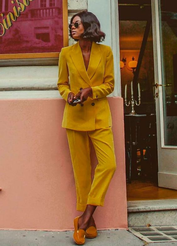 Double-breasted blazers | Marta Lungo in yellow pantsuit | Girlfriend is Better