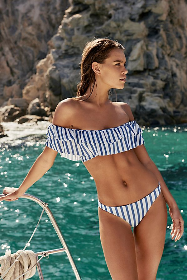 Swimsuit buying guide for small bust girls | Girlfriend is Better