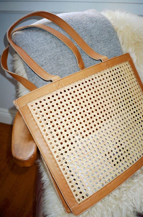 Easy outfits for Spring Break vacation | Accessories Rattan leather bag | Girlfriend is Better