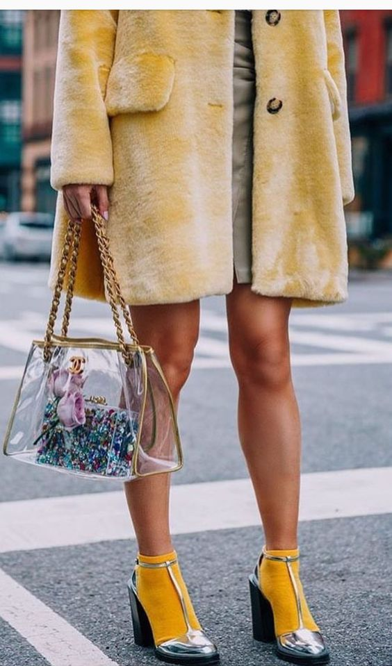 See through purses | Transparent bag gold trim street style | Girlfriend is Better