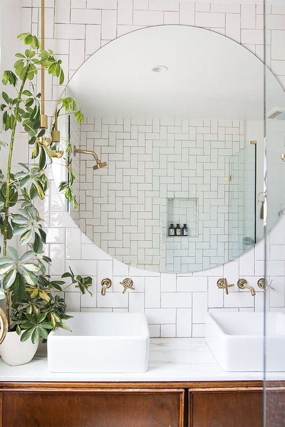 Water element Feng Shui | Bathroom tile large round mirror plants | Girlfriend is Better