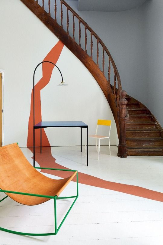 Water element Feng Shui   Curved paint wall and floor   Green chair entryway   Girlfriend is Better