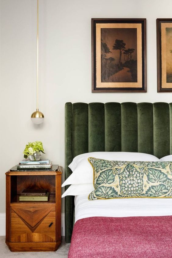 Wood element Feng Shui | Bedroom green headboard side table | Girlfriend is Better