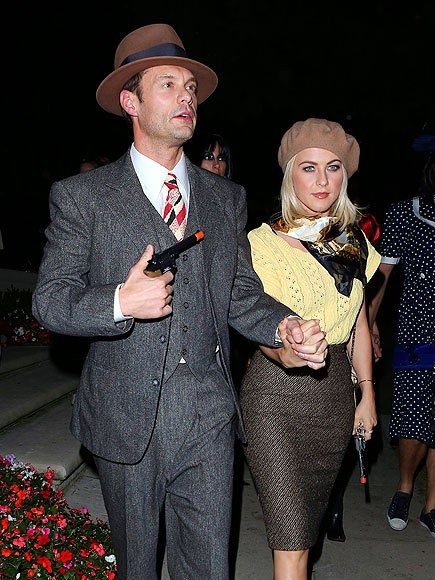 celebrity Halloween costumes | DIY Bonnie & Clyde | beret neck scarf | Girlfriend is Better