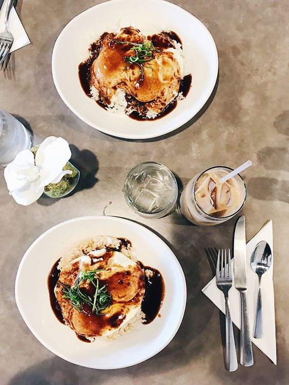 Oahu Hawaii brunch | Moena Cafe | Girlfriend is Better