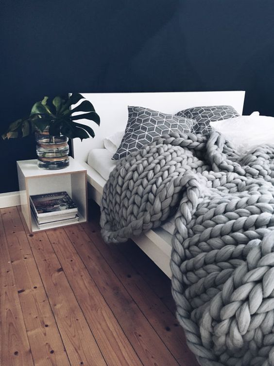chunky knit blankets | handmade merino wool grey jungle decor | Girlfriend is Better