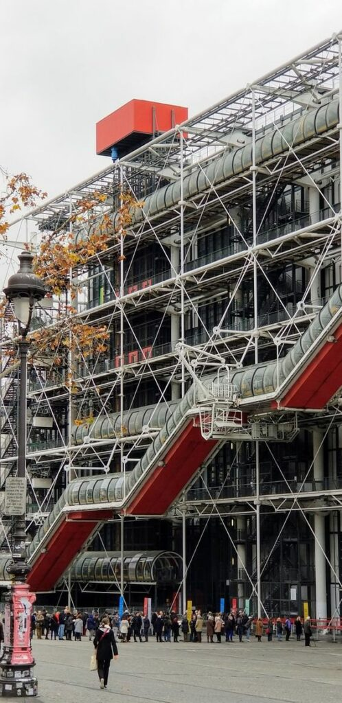 Paris 4th arrondissement | Pompidou Center art museum architecture | Girlfriend is Better