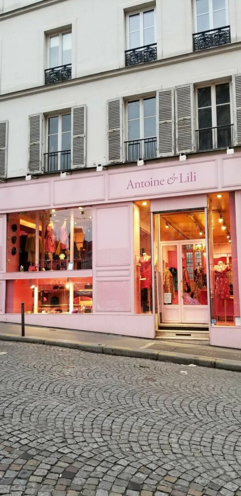 Paris 18th arrondissement | boutique shopping Antoine and Lili | Girlfriend is Better