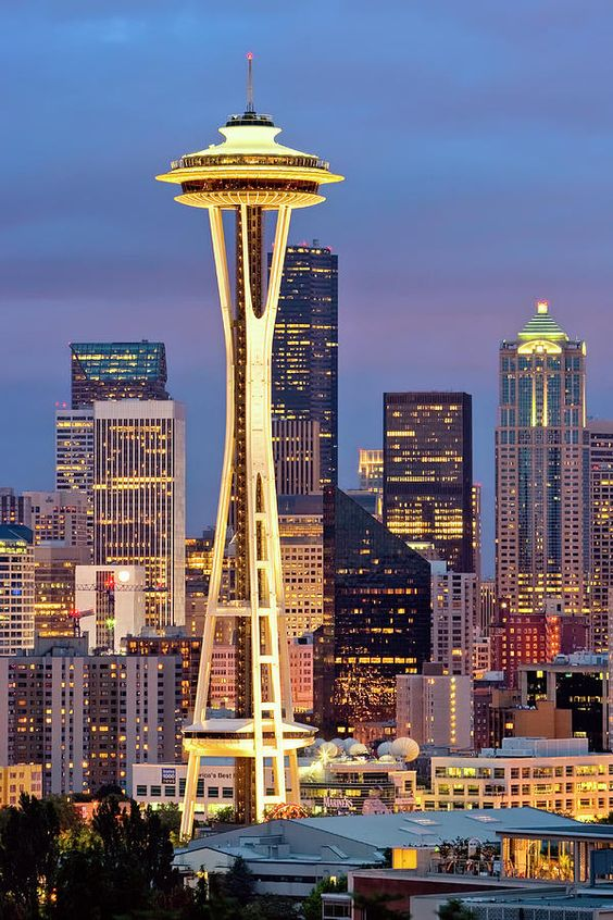 Seattle Washington Space Needle | travel guide tourist tips | Girlfriend is Better