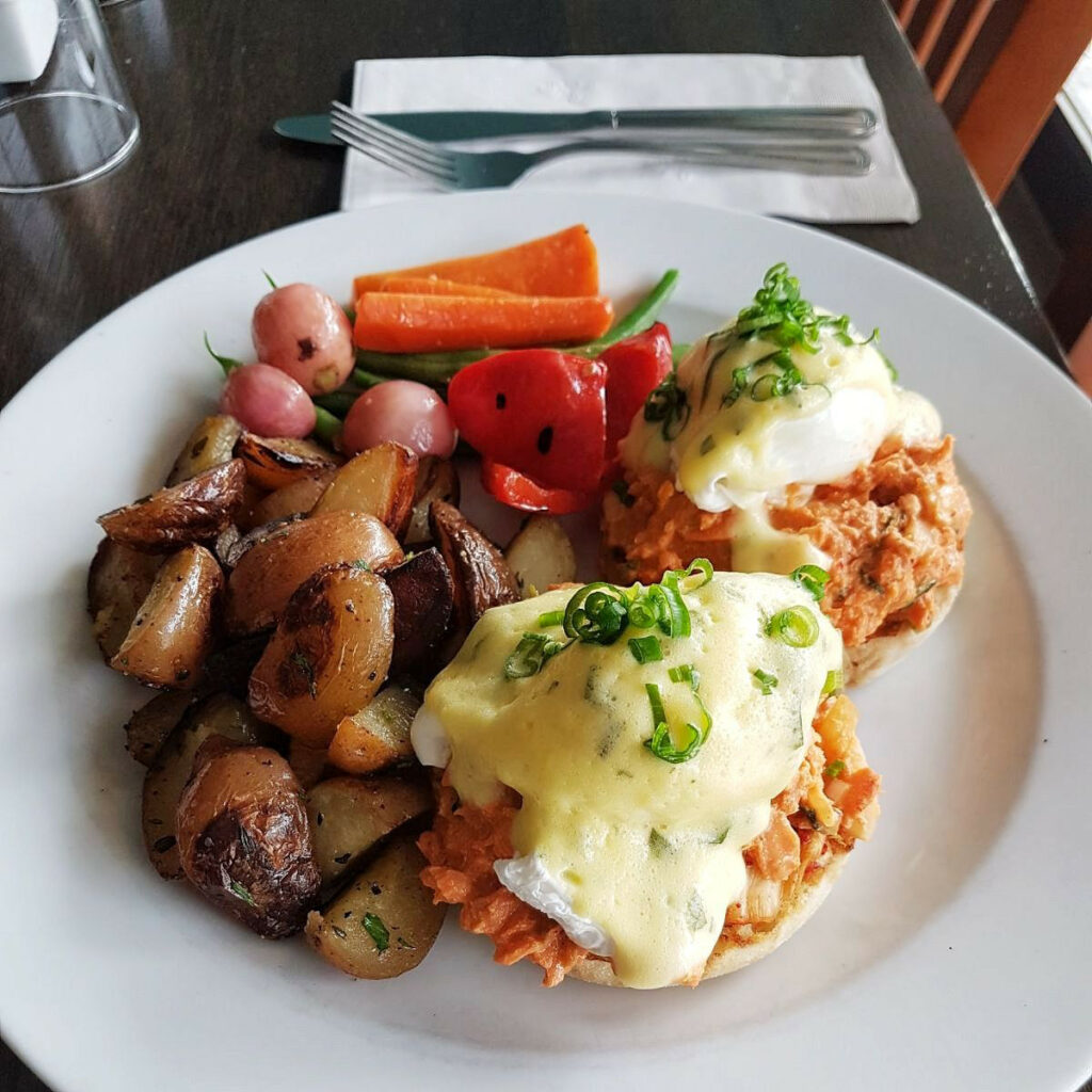 Vancouver BC | Breakfast Table restaurant review | Girlfriend is Better