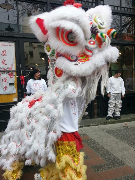 Victoria BC Chinatown | Dragon parade travel guide | Girlfriend is Better